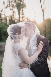 Brautpaar im Abendlicht