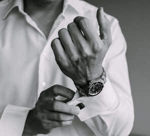 Hand mit Uhr