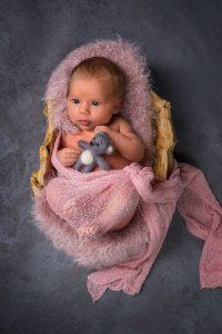 Babygirl mit Teddy