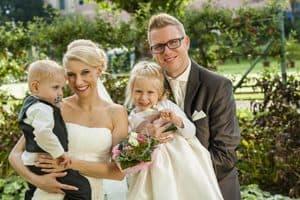 Brautpaar mit Kinder